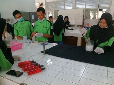 Kimia Industri SMK Negeri 1 Cerme